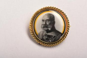 Gold brooch with portrait of Franz Joseph I
