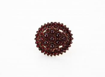 Brooch with Garnet - 1890