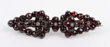 Brooch with Garnet - glass, Czech garnet - 1910