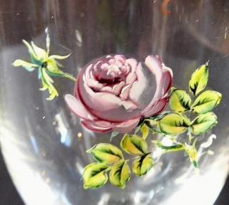 Glass with roses, squared base - Empire
