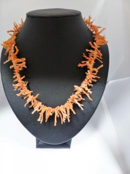 Coral Necklace - coral - 1910