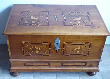 Burgher's chest with inlaid doves and stars