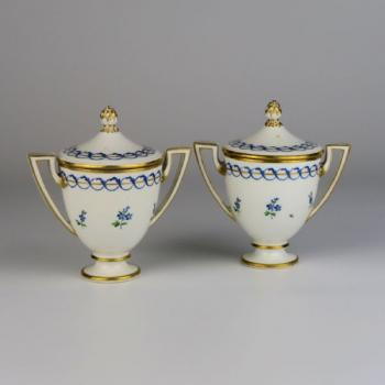 Pair of Porcelain Vases with Lid - white porcelain - Wien 1799 - 1799