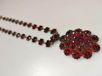 Czech Garnet Necklace - Czech garnet, tombac - 1860