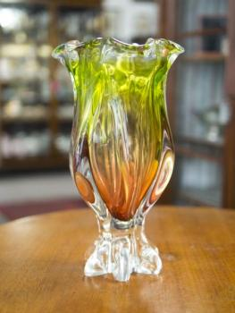 VASE METALLURGICAL GLASS