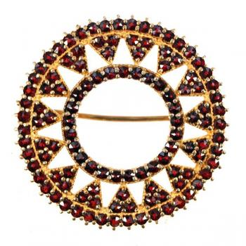 Brooch with Garnet - 1900