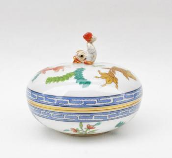 Round Box - glazed porcelain, painted porcelain - Herend - 1950