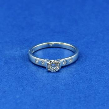 White Gold Ring - white gold, brilliant cut diamond - 1970