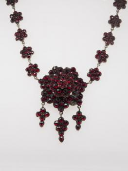 Czech Garnet Necklace - Czech garnet