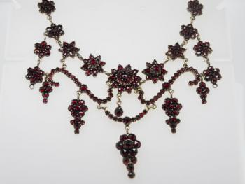 Czech Garnet Necklace - Czech garnet, tombac