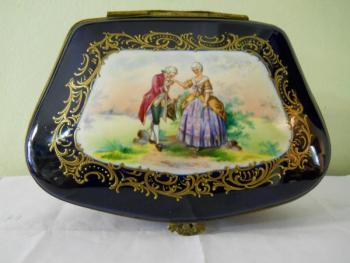 Box - painted porcelain - 1890