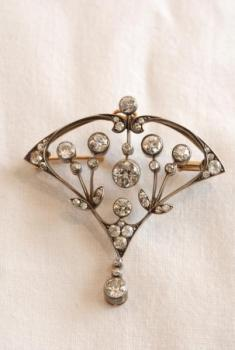Brooch - gold, diamond - 1910