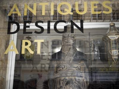 Antiques Design Art