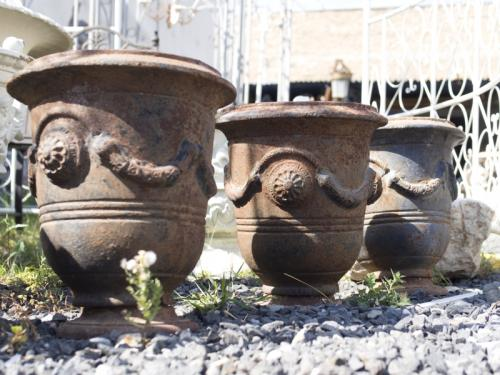 Planter - cast iron - 2000