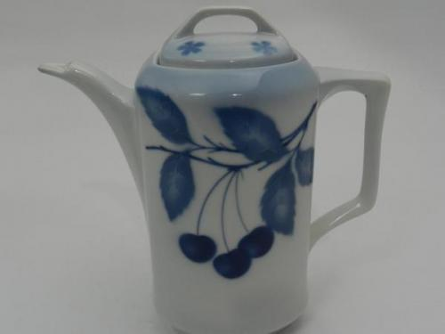 Jug - white porcelain - 1920