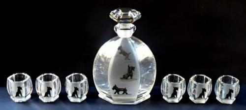 Carafe and six cups, painted black dogs - Art deco